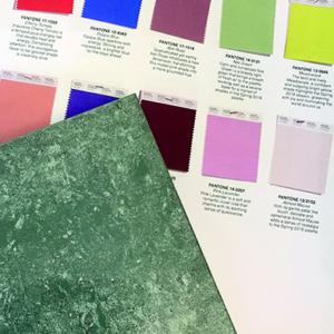 Illustrasjon farge og materialval.